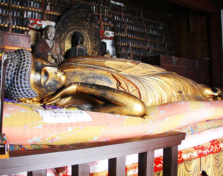 乗舩寺涅槃像
